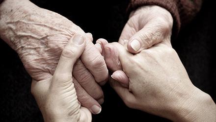 祖母、母、娘へ 世代を超えて受け継ぐジュエリー